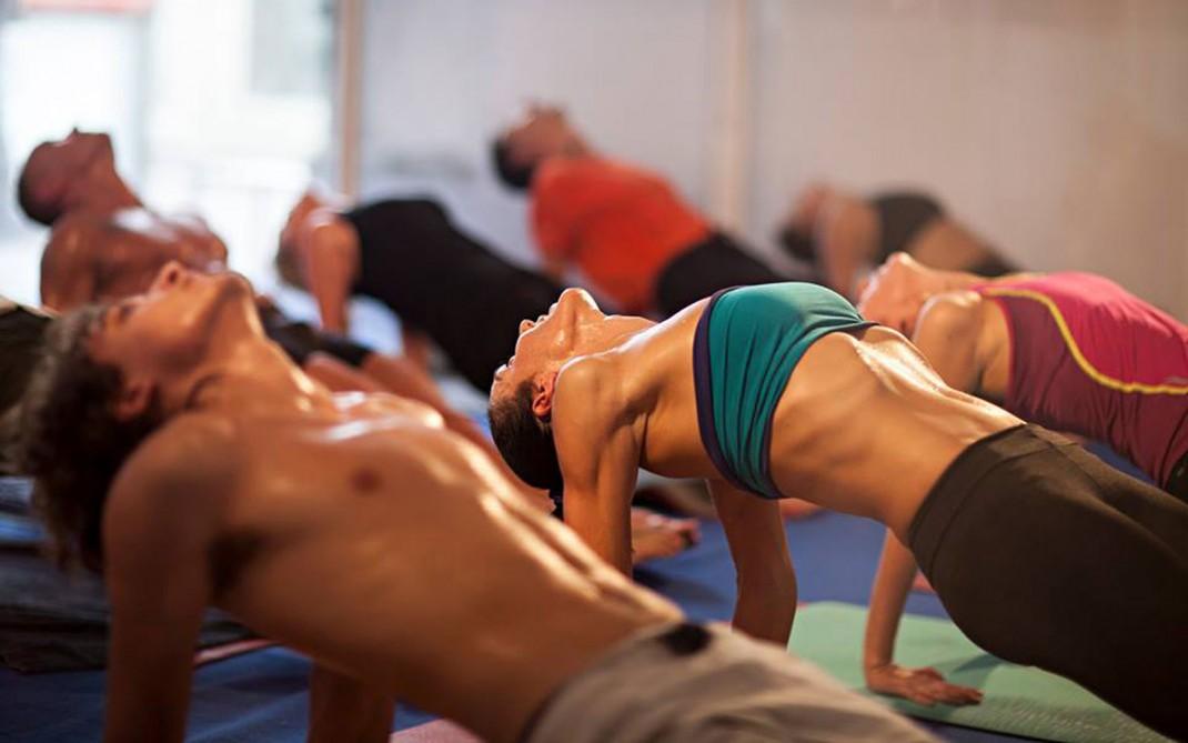 hot-yoga-1070x669